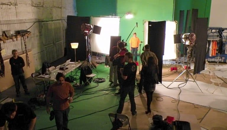 Shooting-Green-Screen
